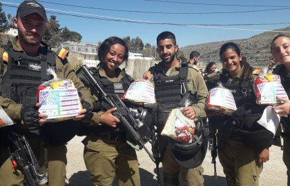 Another Successful Year of Mishloach Manot Deliveries to the IDF
