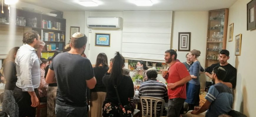 Maamakim Break Fast for Olim