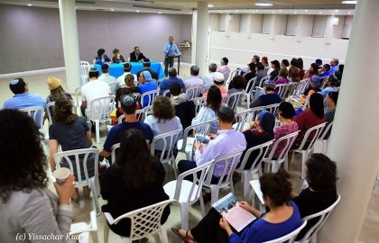 Prenups Panel in Beit Shemesh draws a crowd!